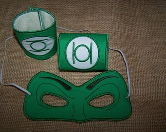 Super hero Mask and Cuffs for the 5x7 hoop#005