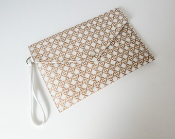 WHITE STRAW CLUTCH/Tablet case
