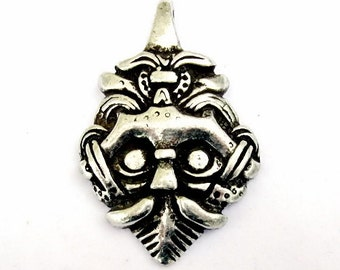 Viking-Pendant from Gnezdovo - [00 Wik-Haupt 2]