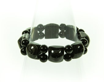 Designer Agate Gemstone Stretch Bracelet With An Eye Pattern.