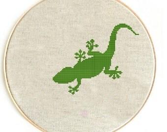 Counted cross stitch pattern, Instant Download, Free shipping, Cross Stitch PDF, Green Lizard monochrome