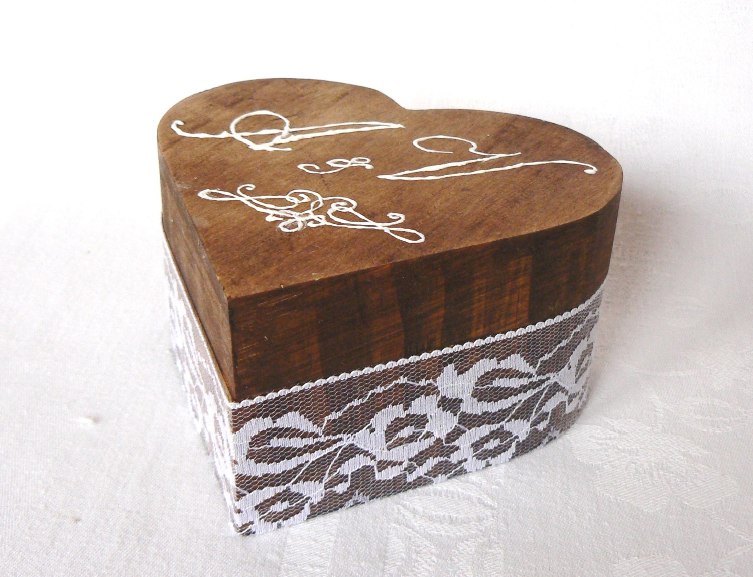 Wedding ring box engagement ring holder heart wood ring box for Wedding ring holder box
