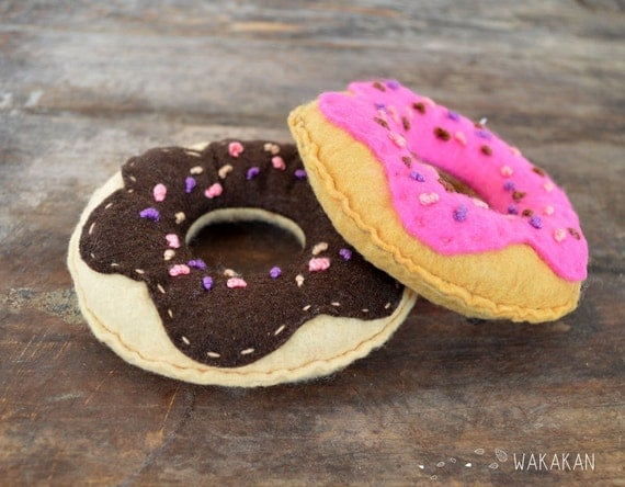 Cat toy. Thread made of felt with Catnip. Doughtnut cat toy. Hipster Wakakan donut