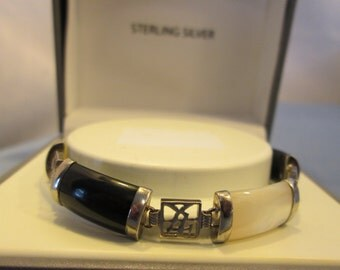 GORGEOUS 1950's Art Deco Fortune Onyx & Mother-of-Pearl Sterling Silver Bracelet 7.5 inches Wt. 11.6 grams