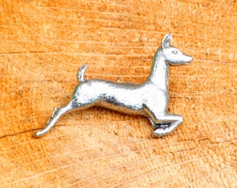 White Tailed Deer Pin Brooch Badge Pewter Hunting Gift