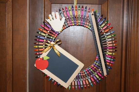 Crayon Wreath, Teacher Wreath, Teacher Appreciation Gift, End of School Gift, Teacher Thank You Gift, Classroom Decor, Child Room Art Decor,