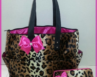 Cheetah Leopard diaper bag. Matching wipe case. Bow. Hot pink. Tote bag.
