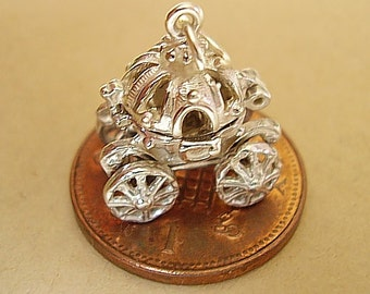 Opening Cinderellas Pumpkin Coach - Glass Slipper With Moving Wheels Charm