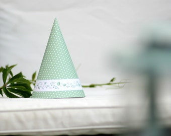 Printable Birthday party hat. Green party hat with foliage and berries. Instant download PNG file.