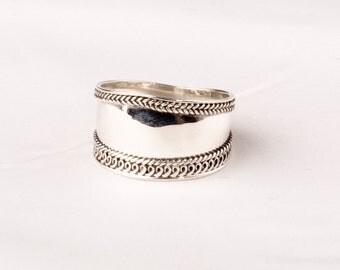 Vintage Silver Bali ring.  Weaved Edge design
