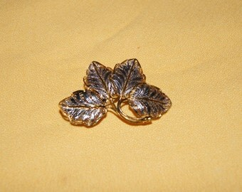 Vintage 1950's -  Vintage Silver filigree outlined in gold, Four leaf Italian brooch.