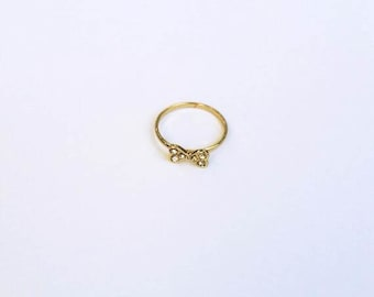 Tiny Bow Ring, Gold