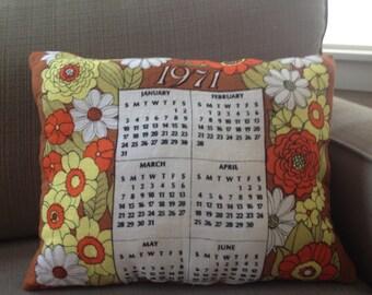 1971 Tea Towel Calendar Pillow