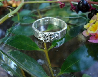 Braveheart ring- Celtic Knot, endless, shield - sterling silver  from Eco friendly source - Custom made in your size Man or Woman