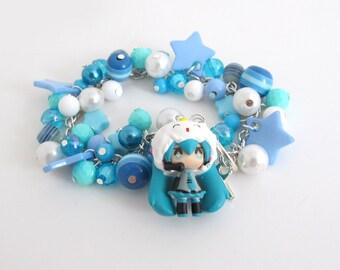 Hatsune Miku Japanese VOCALOID Blue Chunky Beaded Bracelet. Kawaii Harajuku Style Blue, White, Teal Bracelet