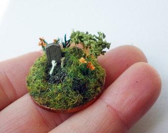 zombie apocalypse on a 2p coin - 144 scale micro miniature