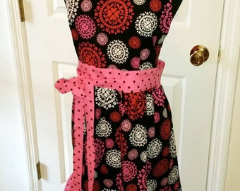 Circling Hearts Pink Red Black White '50 Retro Inspired Ladies Apron Polka Dot Valentines Day Sexy Rockabilly Ruffle