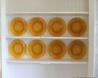 1950s Set of 8 Desert Gold Plates by Anchor Hocking