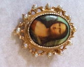 Vintage Sarah Coventry 1973 Mona Lisa Cameo