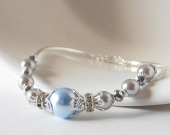 Bridesmaid Jewelry, Light Blue and Gray Pearl Bracelet, Beaded Pearl Bridesmaid Bracelet, Light Blue Pearl Wedding Jewelry, Silver