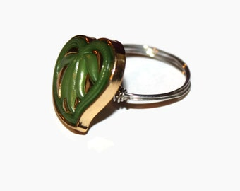 Vintage button inspired green and gold wire ring