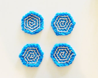 Bright Blue Vintage Crocheted Coasters / Retro Mod Coaster Set / Vintage Cocktail Coasters / Vintage Kitchen Decor