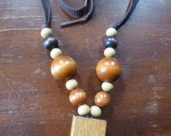 Vintage Chunky Wooden Beads Necklace
