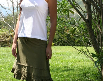 SOLUNA Open wide A cut 3/4 long skirt with folds and embroidering around in a wrinkled 100% cotton muslin fabric