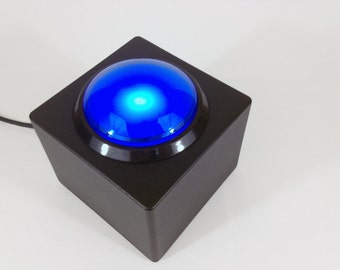 USB Button - Big Blue Button - DIY Wedding Photobooth or Interactive Installation - LED Light