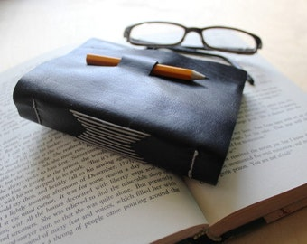 Reading leather journal // book log // book club // fill in the blank