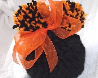 CINCINNATI...BENGALS... Baby Girl or Boy Version...2 Sizes Available ..Black & Orange...Pom Pom Hat...Adorable Hat..Newborn and 3 Month