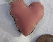simple black & pink sideloop heart