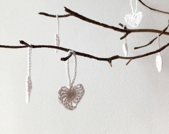 Crochet hearts decorations - white hearts wedding favors - small holiday ornaments - Christmas tree decorations - home decor - set of 9