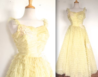 Vintage 1950s Dress // 50s Canary Yellow Frilled Party Gown with Lace Appliques // Cupcake Dress // DIVINE