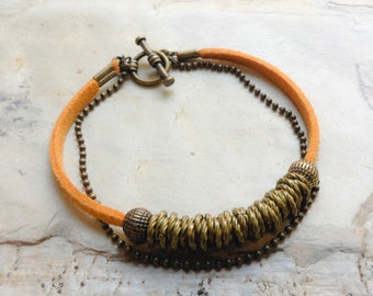 Simple brass beaded bracelet- mustard VEGAN faux suede bracelet - Mustard Autumn bracelet -brass links bracelet - Brass beaded bracelet