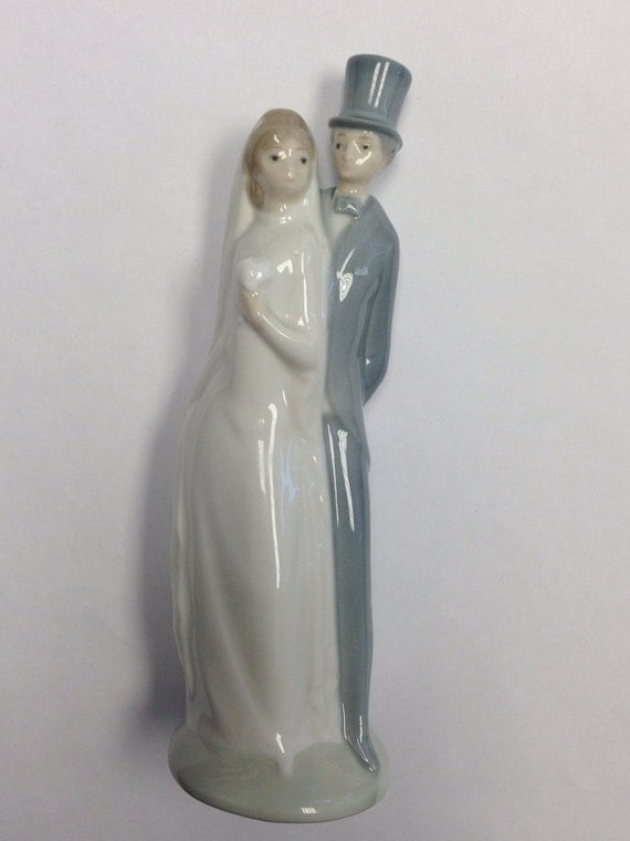 Vintage Nao By LLadro Bride And Groom Porcelain Cake Topper