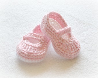 Crochet Baby Girl Mary Janes - Newborn to 12 Months - Soft Pink and White - MADE TO ORDER