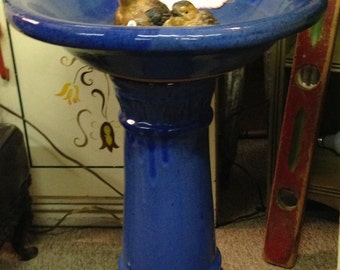 """21 1/2"""" BLUE BIRD BATH / Mid Century / (2) Piece / Porcelain Finish / Used Condition / Garden, Patio, Sun Room / Chicago Land Pick Up Only"""