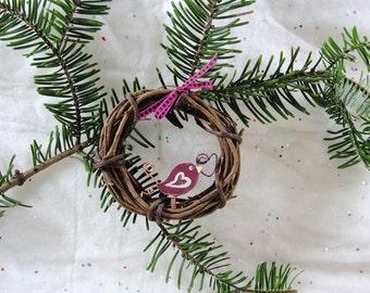 Pretty Bird, miniature, grapevine wreath, wire heart, ribbon, ornament, rustic