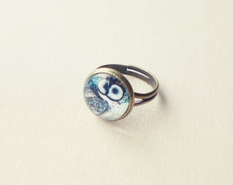 Owl Ring. Bird Ring. Woodland Jewelry. Adjustable Glass Ring.