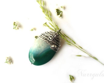 Pendant necklace, green Agate, Agate pendant, green pendant, tatement pendant for her, braided silver pendant