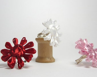 Cornelia's flower rings. Three flower rings in lovely red, pretty pink and perfect white woven with vintage Swistraw by Ruby Buffalo.