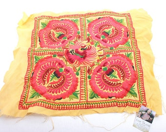 Hill Tribe Embroidered Fabric Square Natural New Fashionable Style Thailand   (TX810-OI)