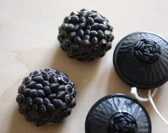 VICTORIAN BUTTONS -