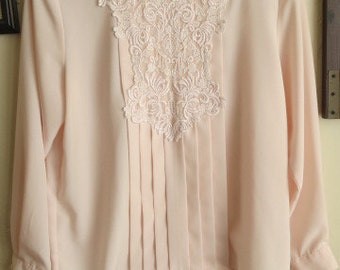 Very pretty 80s peach victorian styled blouse