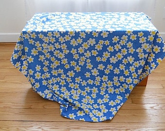 1950's Vintage Big Flower Blue White Yellow Cotton Summer Table Cloth, Unique Mothers Day Gift For Wife, Tea Party Home Decor For Hostess