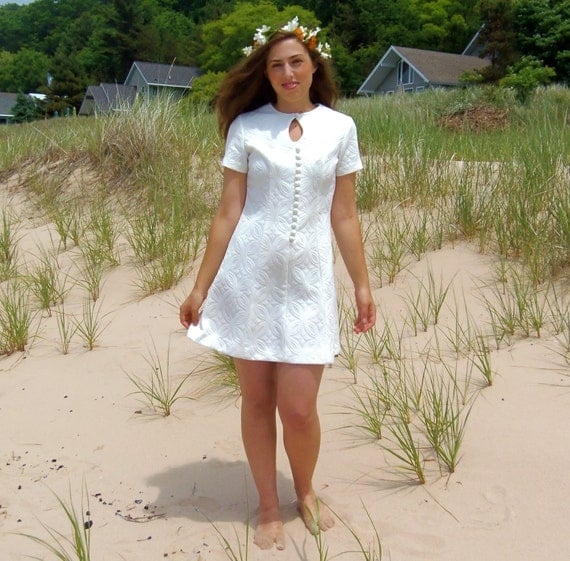 Vintage 60s Mod Wedding Dress White Modern Short Mini Short