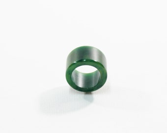 1940s bakelite ring forest and hunter green swirl end of day wide flat band size 5 5 1/2
