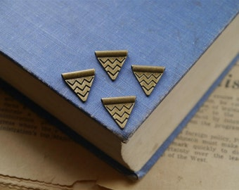 SALE 12pcs Bunting Flag Charms Antique Bronze Triangle Spacer Beads14mm (BC805)
