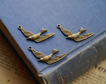 8 pcs Antique Bronze Swallow Bird Charms 36mm (BC228)